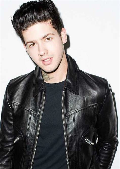 Travis Mills Height Weight Body Statistics Biography