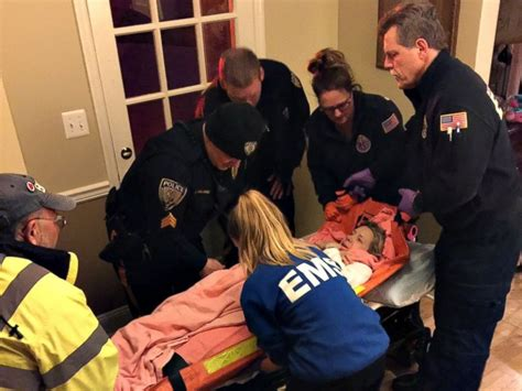 Teen EMT delivers her 1st baby, born 2 weeks early, in
