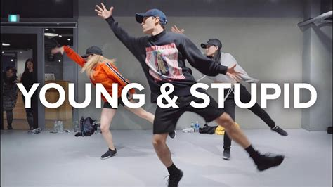 Young & Stupid - Travis Mills (ft