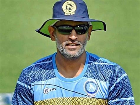 MS Dhoni Surprises Jammu And Kashmir Cricketers With