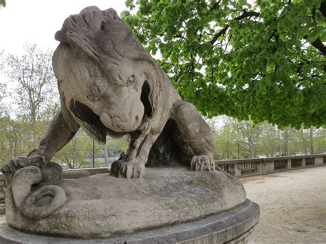 Things to do in Paris, Stroll through the Tuileries Gardens