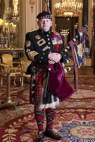 Queen's piper silenced for first time in 175 years | Daily