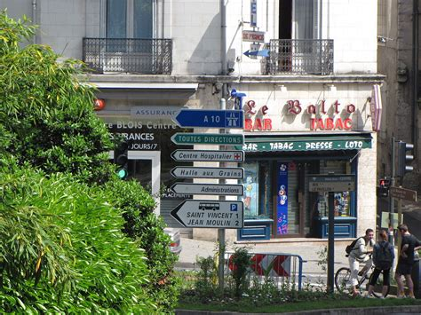 bar-tabac — Wiktionnaire